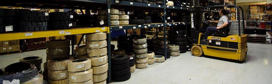 stockage de pneus industriels